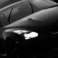 黒のスポーツカー iPhone5 スマホ用壁紙