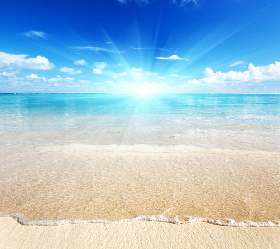 透明度の高い海辺 スマホ壁紙