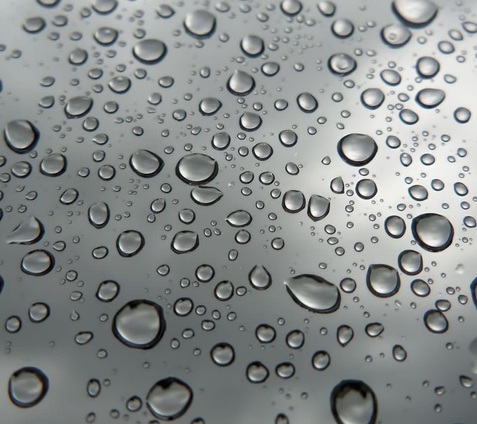 雨粒 スマホ用壁紙