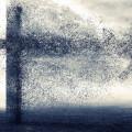飛び散る十字架 Androidスマホ用壁紙