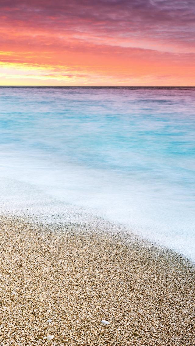 綺麗な夕焼けと淡い色の海 iPhone5 スマホ用壁紙