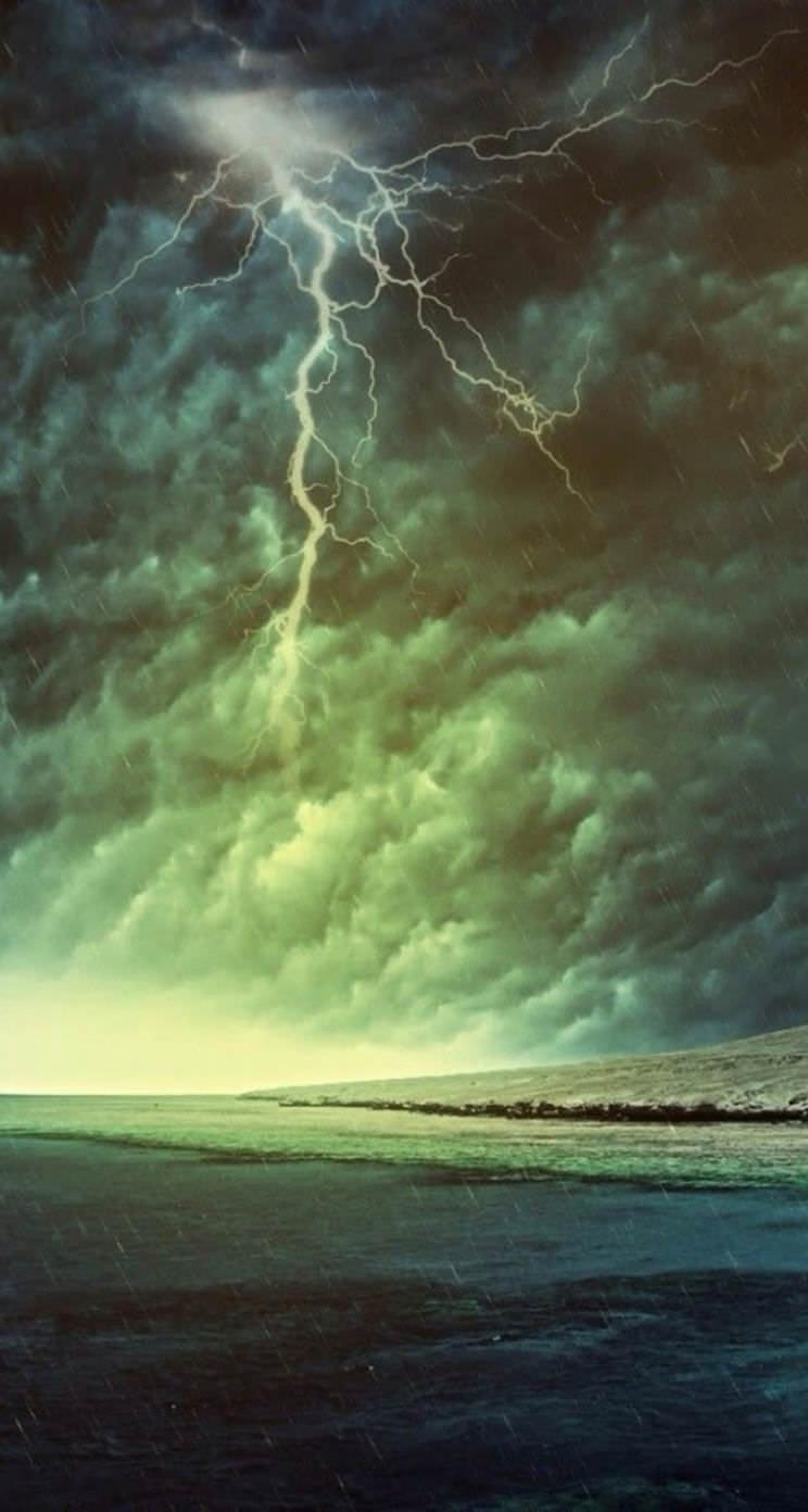 雷雨 iPhone5壁紙