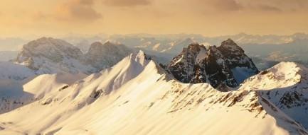 雲海と山脈 iPhone5壁紙