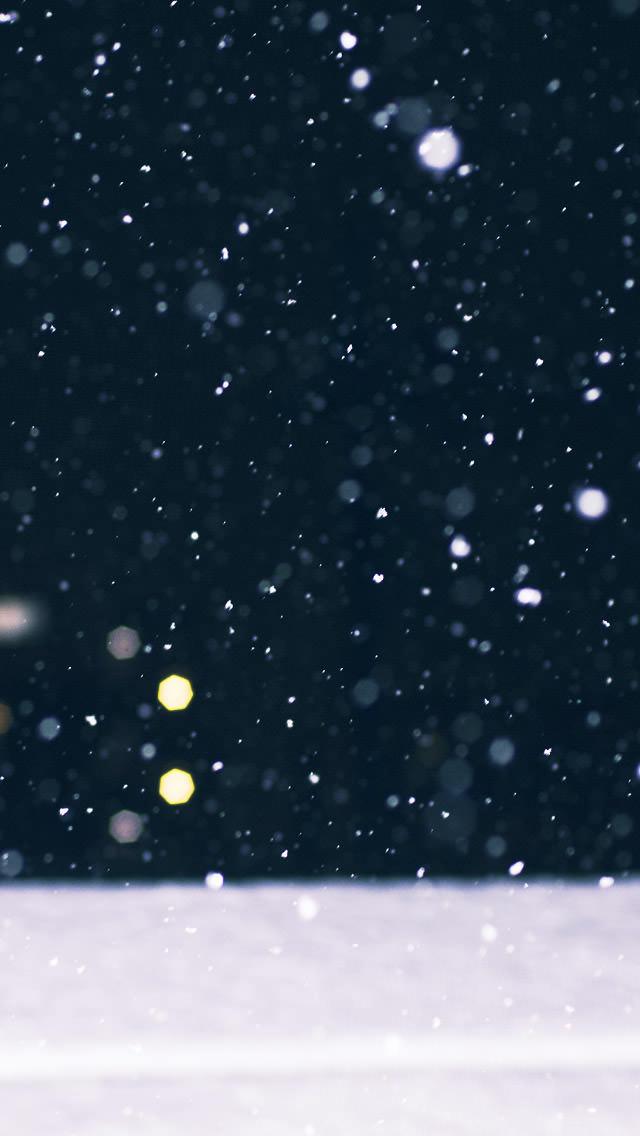 降りしきる雪 iPhone5壁紙