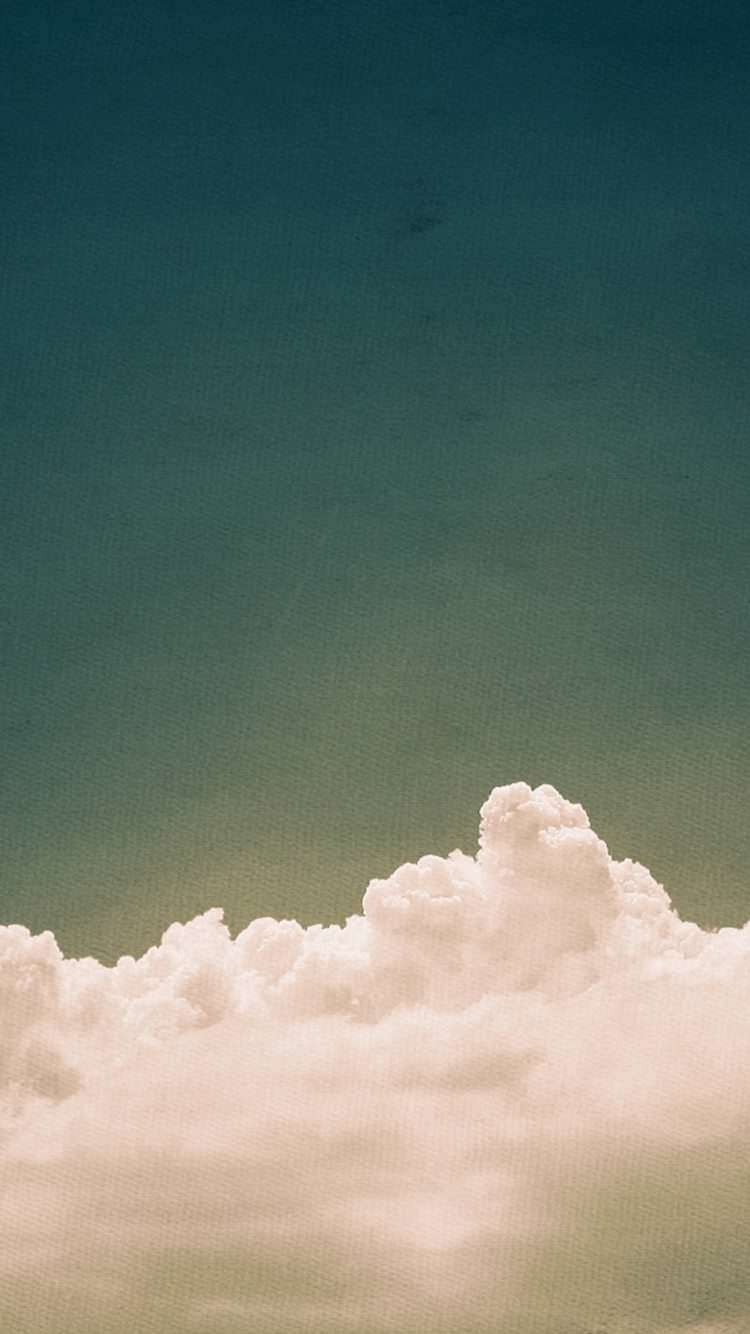 ビンテージ風の雲と空 iPhone6 壁紙