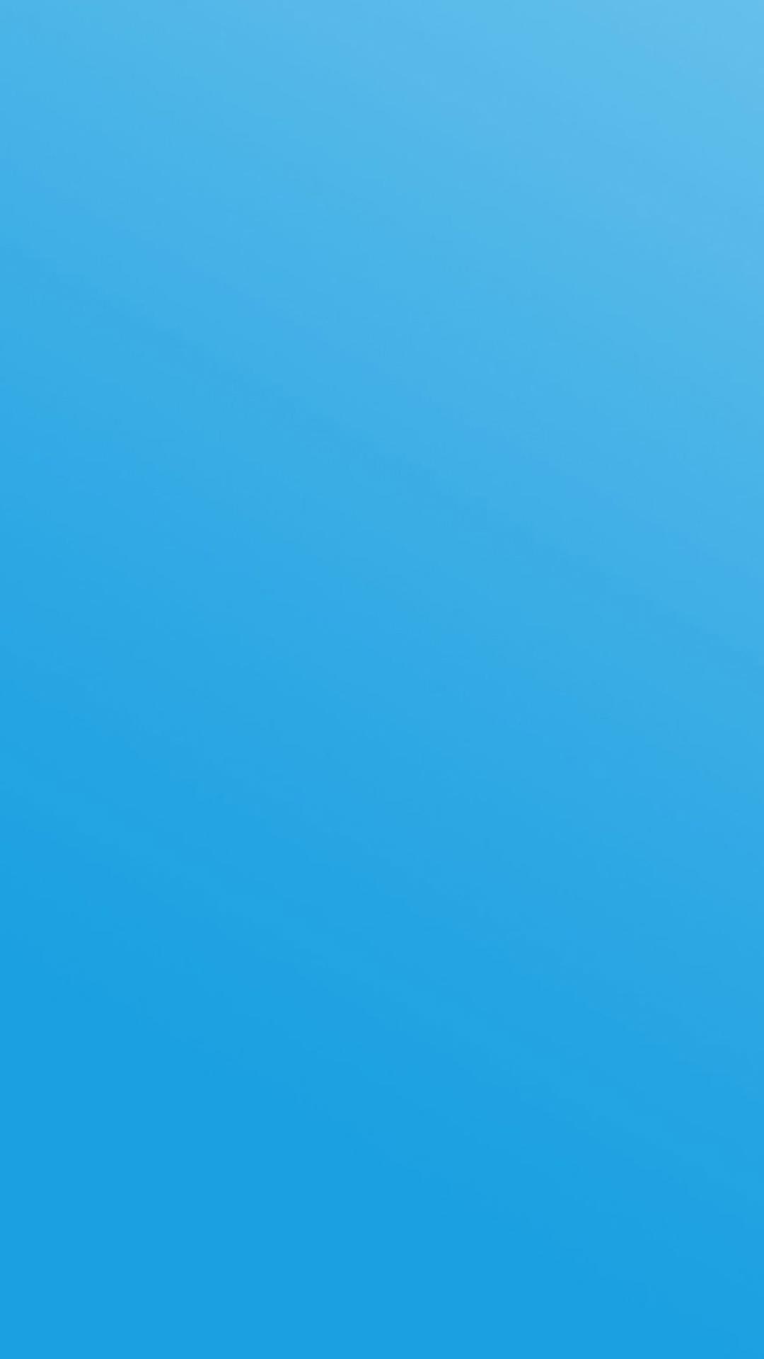 シンプルな水色 iPhone6 Plus壁紙