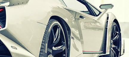 かっこいい白のスポーツカー iPhone6壁紙