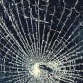 バッキバキに割れたガラス iPhone6 壁紙