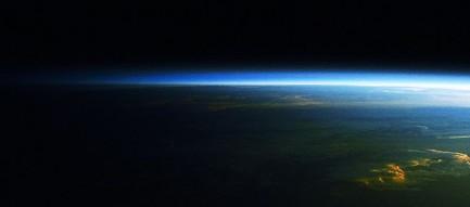 かっこいい地球 iPhone6壁紙