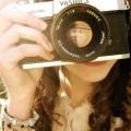 カメラをかまえる女性 iPhone6 壁紙