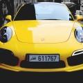 黄色い車 iPhone6壁紙