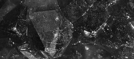 濡れた石 iPhone6壁紙