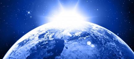 後光射す地球 Android壁紙(2160x1920)