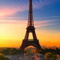 夕暮れ パリのエッフェル塔 iPhone6壁紙