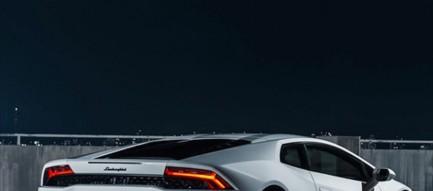 夜空と白い車 iPhone6壁紙