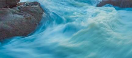 青い濁流 iPhone6壁紙