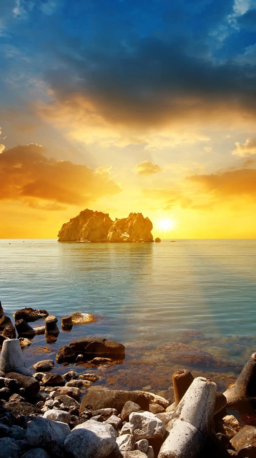 浅瀬から見る夕日 iPhone6壁紙