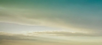 草原と青空 iPhone6壁紙